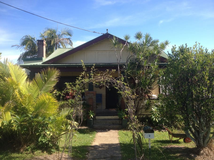 Old fashioned comforts bungalow in affitto a coffs for Piani sud ovest della casa con cortile
