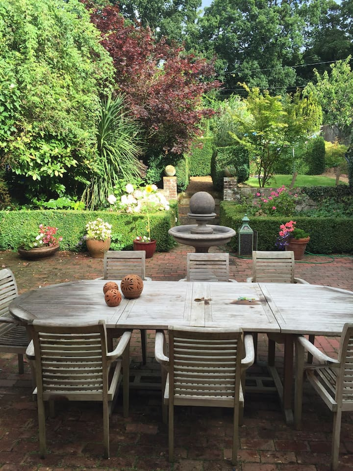 Courtyard where weather permitting we serve breakfast. Lovely spot to look at the Stars !