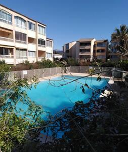 Studio de 24m2 dans propriété privée avec piscine