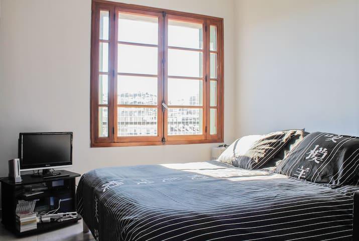 chambre privee  spacieuse et tres claire  a louer