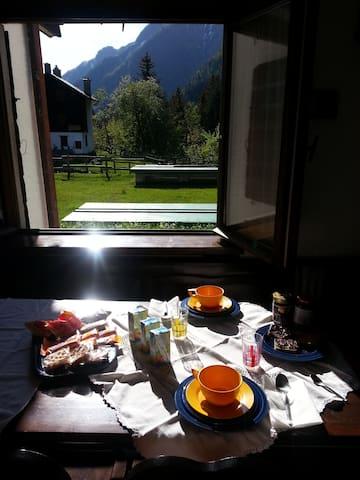 colazione ai piedi del Monte rosa