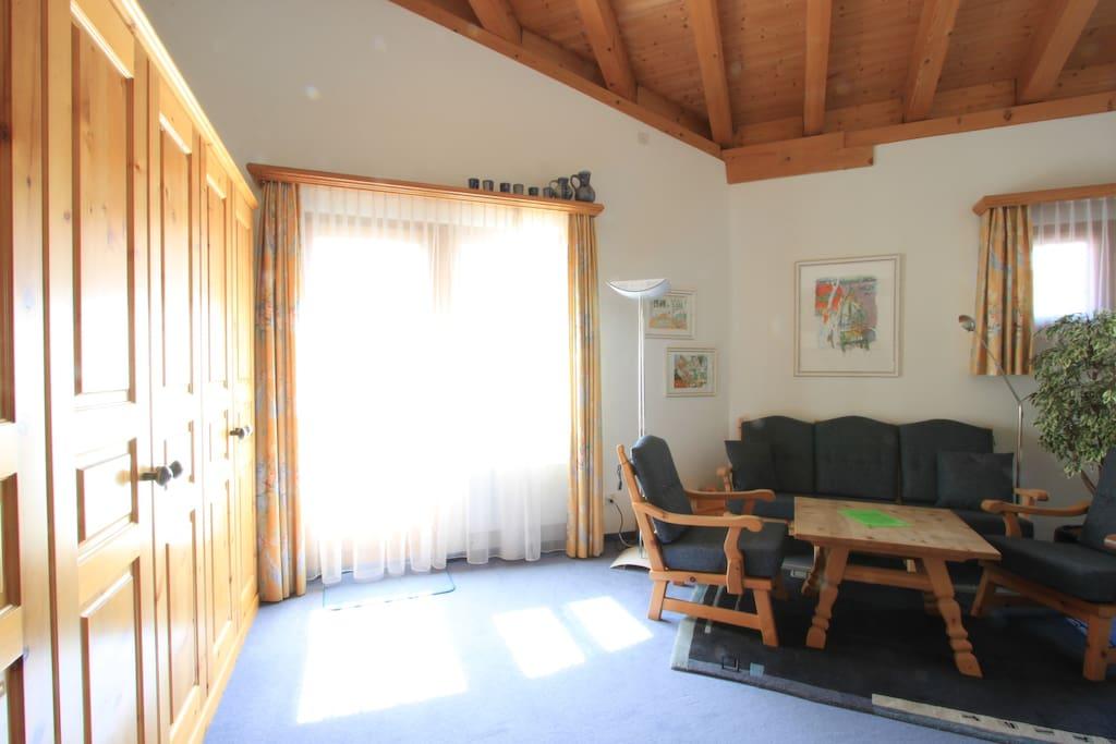 Wohnraum/living room