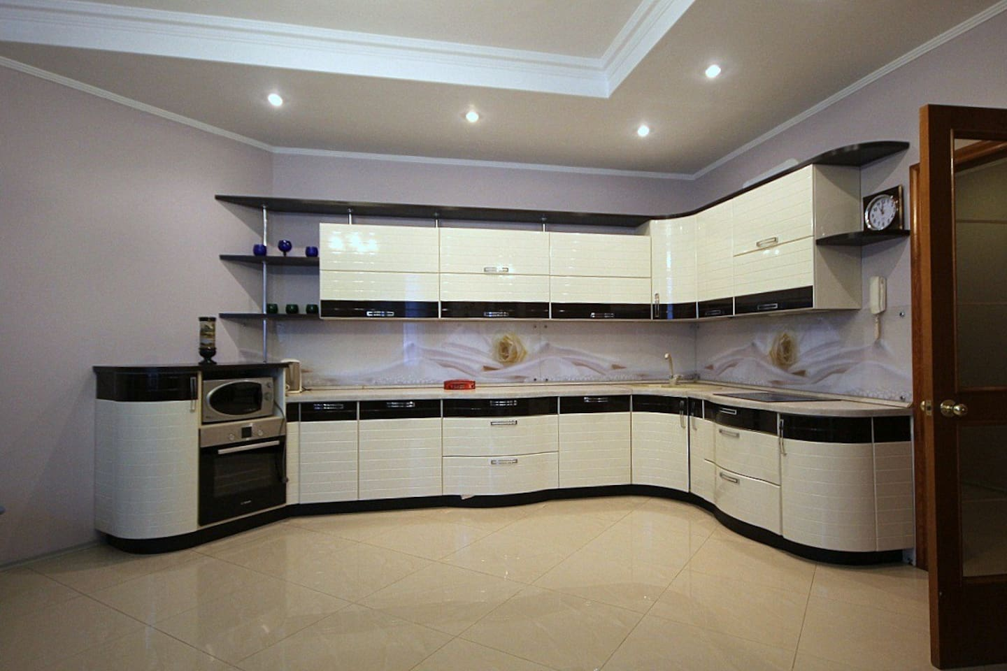 One month rent 26000 US Dollars Please call or contact Viber +79037115828 barysheva@chaseestate.ru