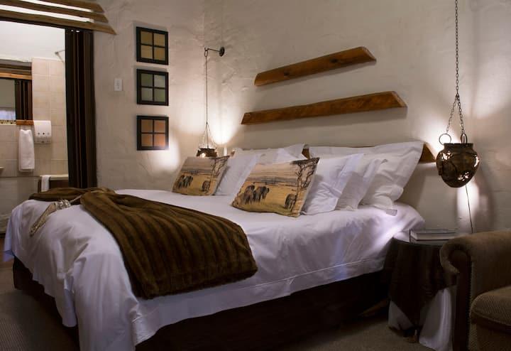 Riverbush Lodge B&B - Elephant Room
