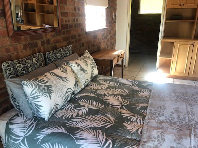 Cozy & Comfortable Accommodation in Northcliff