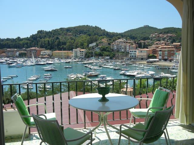 Incantevole terrazza sul porto - Porto Ercole - Lägenhet