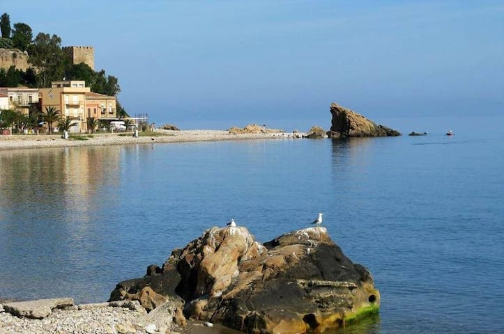 Casa vacanza vicino al mare         - Pettineo - Casa