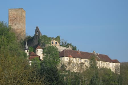 Burg Ehrenberg - Holidays on a medieval castle