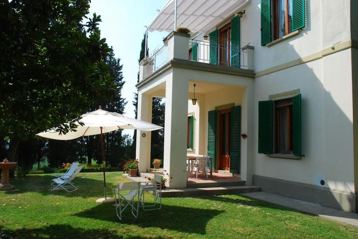 Villa In the heart of Chianti Tuscany  1/7-16/9 - Montespertoli - Bed & Breakfast