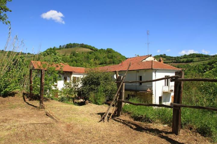 Ferien im Grünen - Bubbio - Appartement