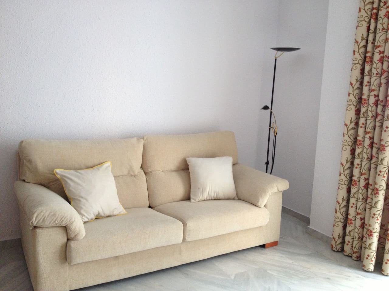 Nice Apartament With Garage Apartments For Rent In Fuengirola  # Muebles Betanzos