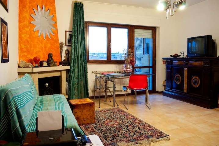 Large room in Roma - B&B Happy Goose - Roma - Bed & Breakfast