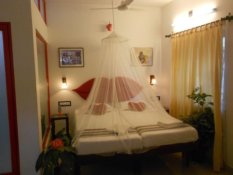 lip room- having balcony(twin beds)