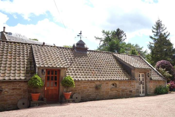 Two Bedroom Granary Nr St. Andrews