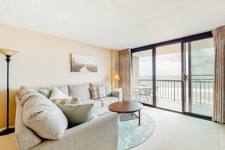 Sea Colony Ocean 7th floor condo w/ elevator, gym, and tennis court