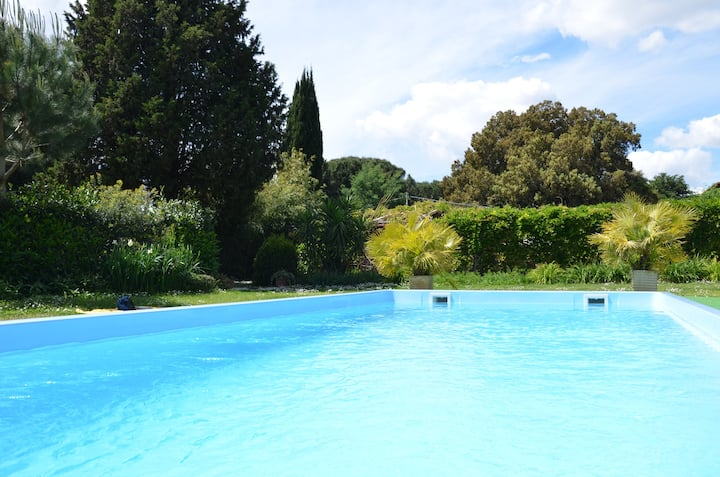 Apt. in Garden with Swimming Pool