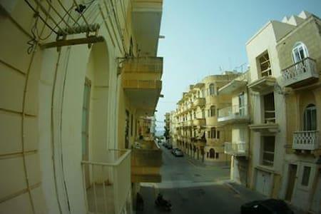 Apartament Marsalforn - Iż-Żebbuġ - Lejlighed