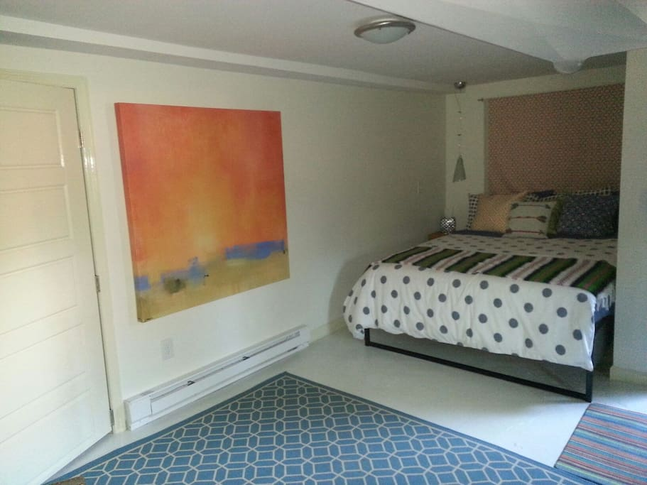 Queen size mattress with down alternative pillows & duvet.