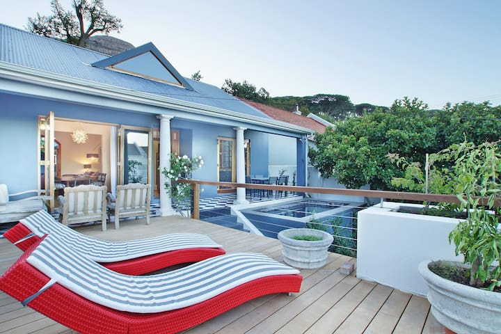 A Cape Cottage in Higgovale - Cape Town - House
