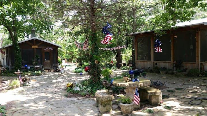 Flint Creek Cabin on the Bluff