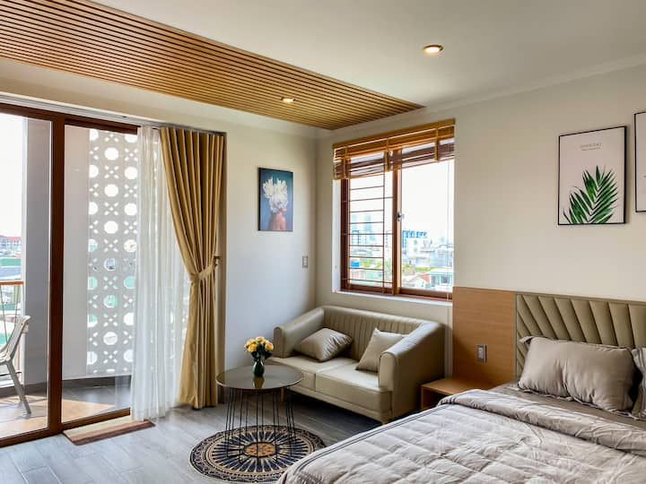 //Sala apt\\ Roomy suite near Han river