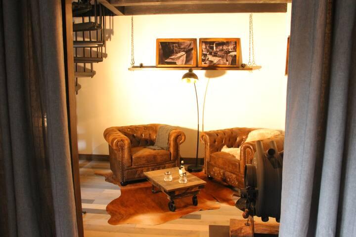 Ursprüngliche, jedoch stilvolle Schmiede Hütte