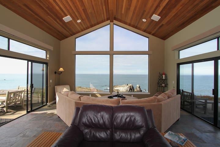 Spectacular Oceanfront home