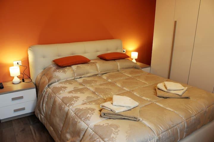 Offresi accogliente appartamento - Boloña - Departamento