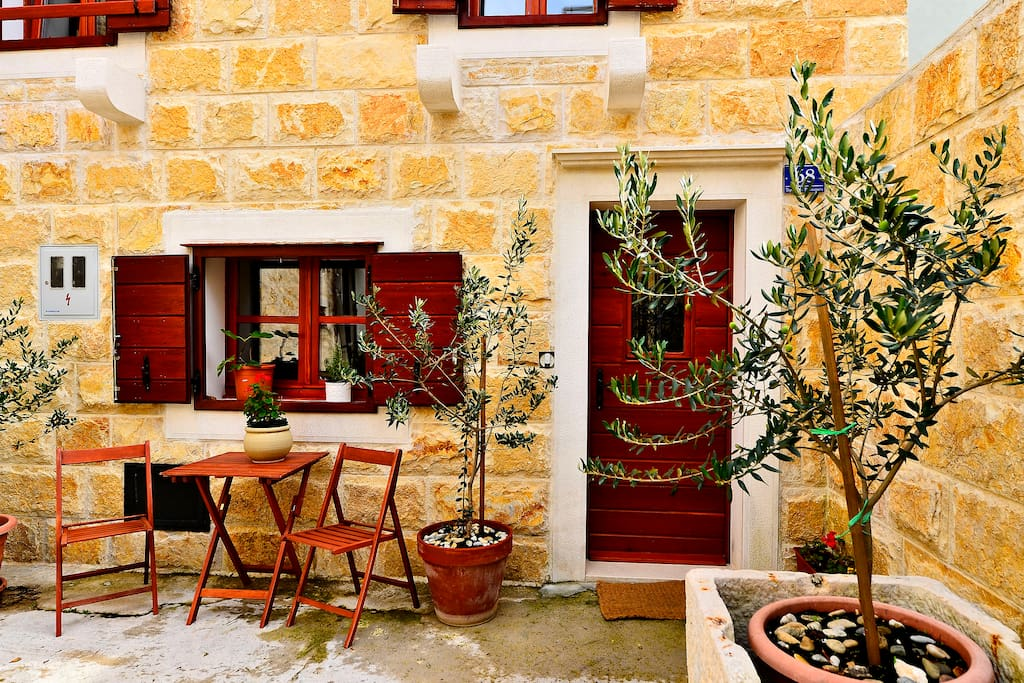 Luxury Villa Bobica Vodice - view from the courtyard