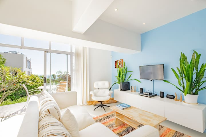 Stunning Sea View Flat in Sea Point