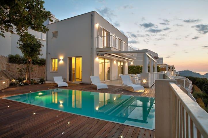 Villa Lipari  with private pool