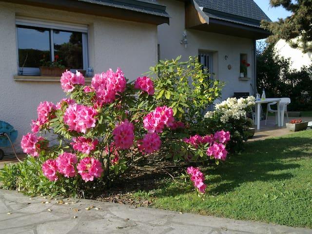 Belle maison dans zone résidentiel - Cairon - Hus