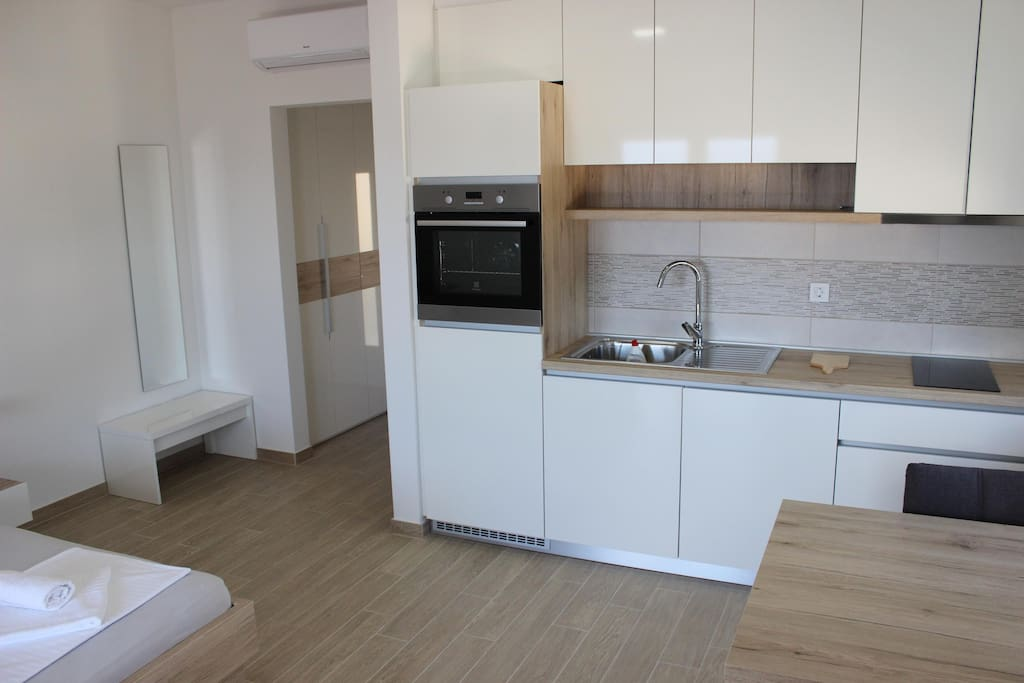 Kitchen with Dishwasher, Microwave, Oven...