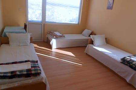 Guest room in the house №2 - Gabrovo - Dom