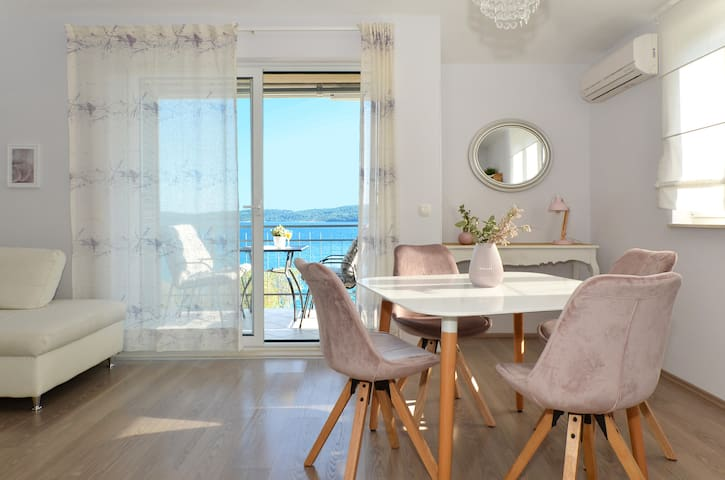 Trogir Designers ap.30m from beach!Great location!