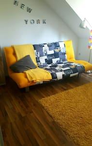 gemütliches stillvolles Zimmer,zentral gelegen - Apartment