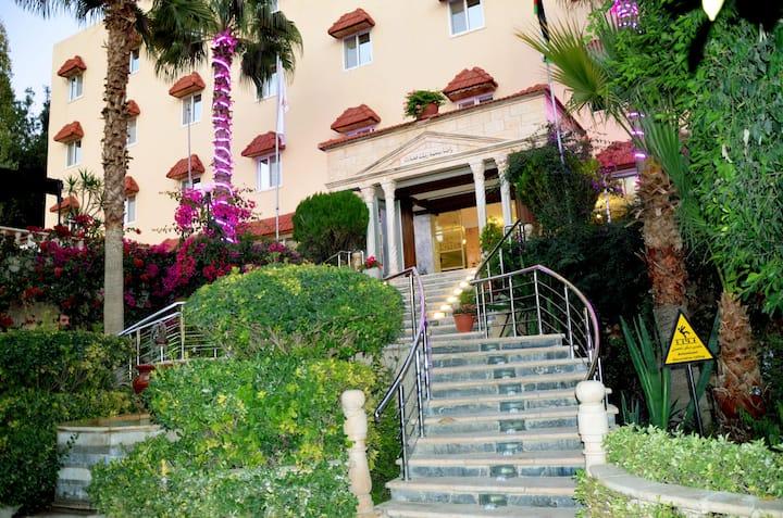 Amra Place International Hotel