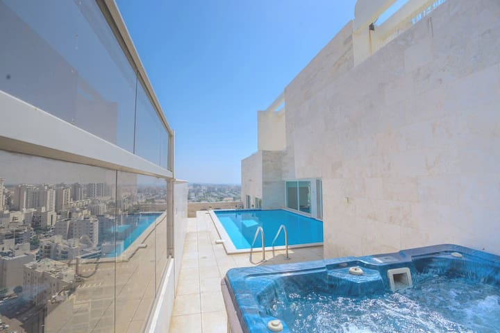 Luxury Pool Penthouse by Airsuite