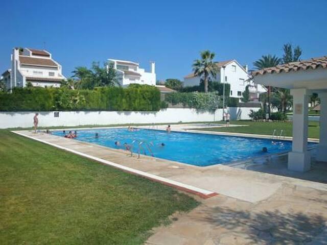 Casa con piscina en Cambrils