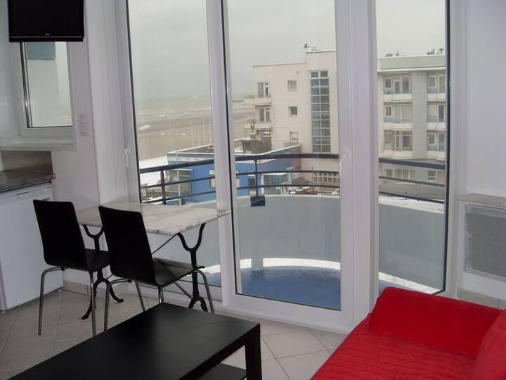 Studio meublé tout confort vue mer avec balcon