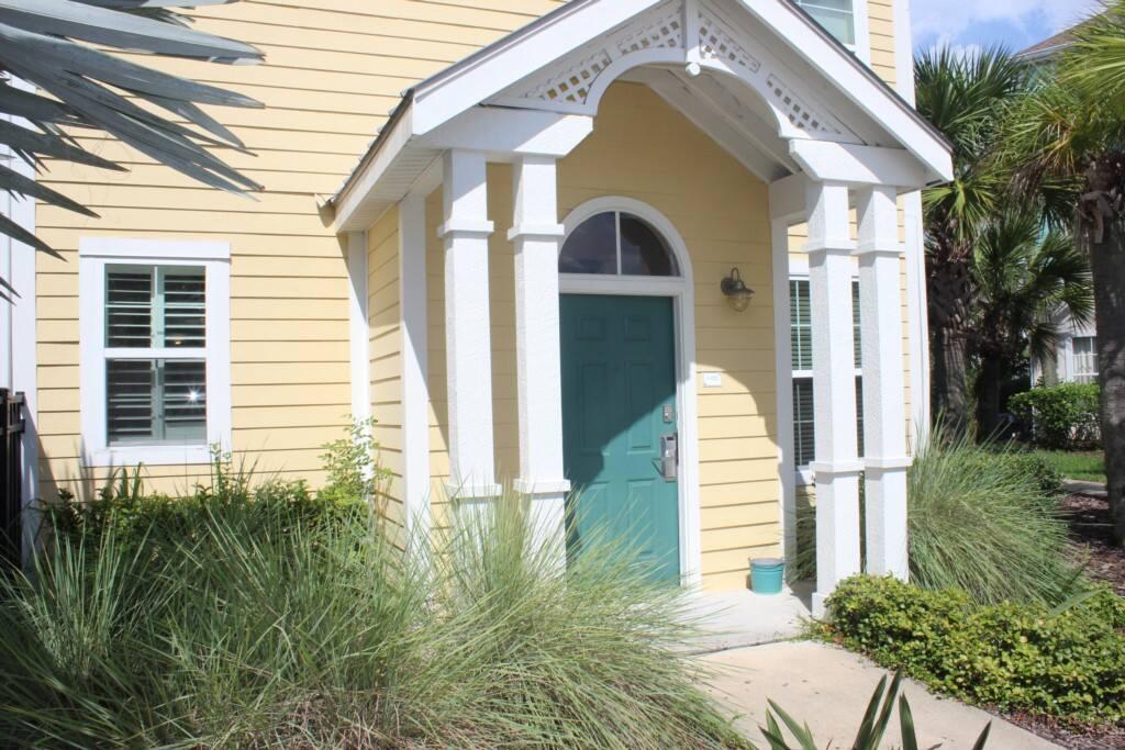 Building, Cottage, Deck, Porch, Palm Tree