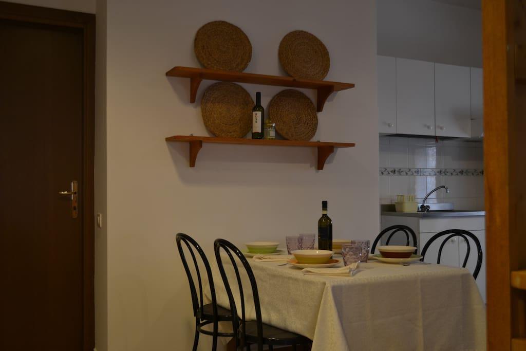 angolo pranzo e cucina