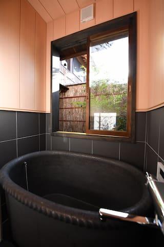 烧瓷浴缸Gardenview Bath