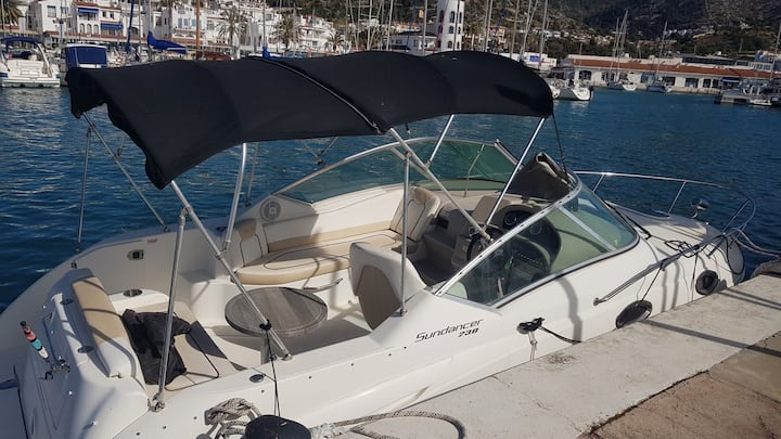 Motorboat in exclusive Port de Sitges