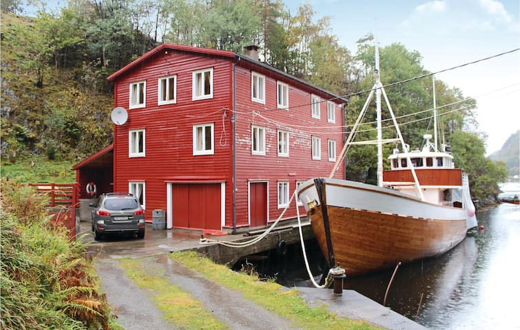 Holiday apartment with 2 bedrooms on 67m² in Lundegrend