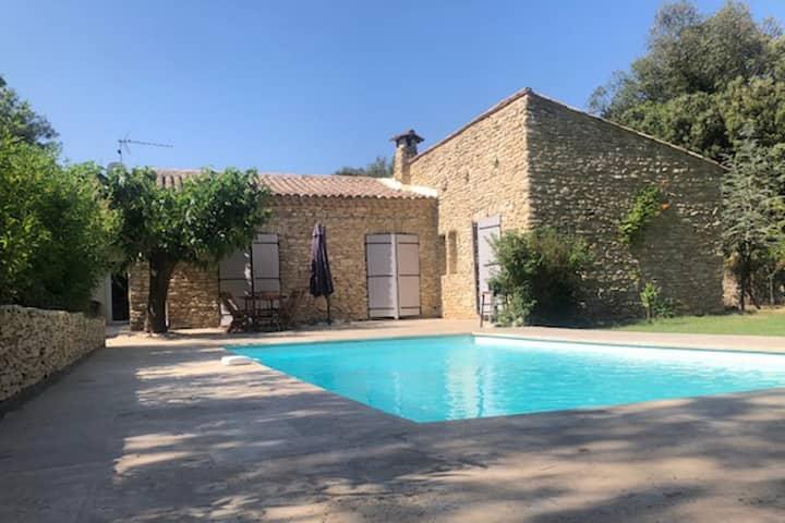 Jolie villa paisible avec clim, piscine et jardin