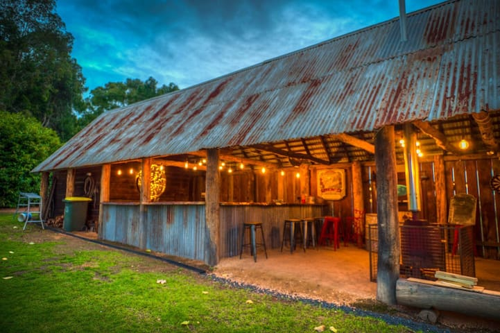Historic Dingup House B&B Function Venue