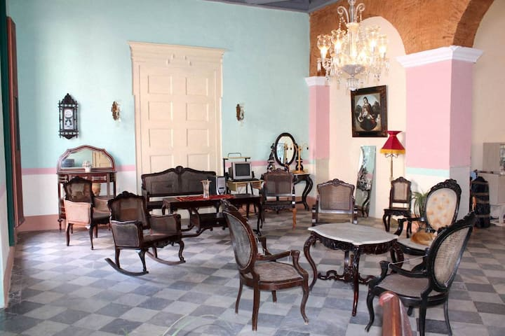 Hostal Colonial Casa Vieja (Room 3)