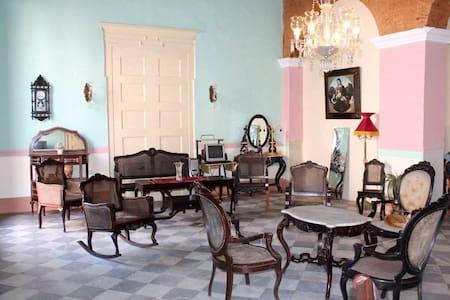 Hostal Colonial Casa Vieja (Room 3) - Trinidad