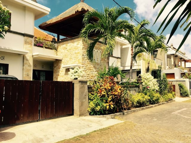 L - A charming appartment on the hill in Nusa Dua - Kuta Selatan